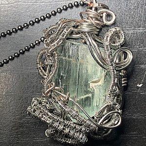 Jewelry - 🔥Aquamarine wire wrapped pendant necklace🔥
